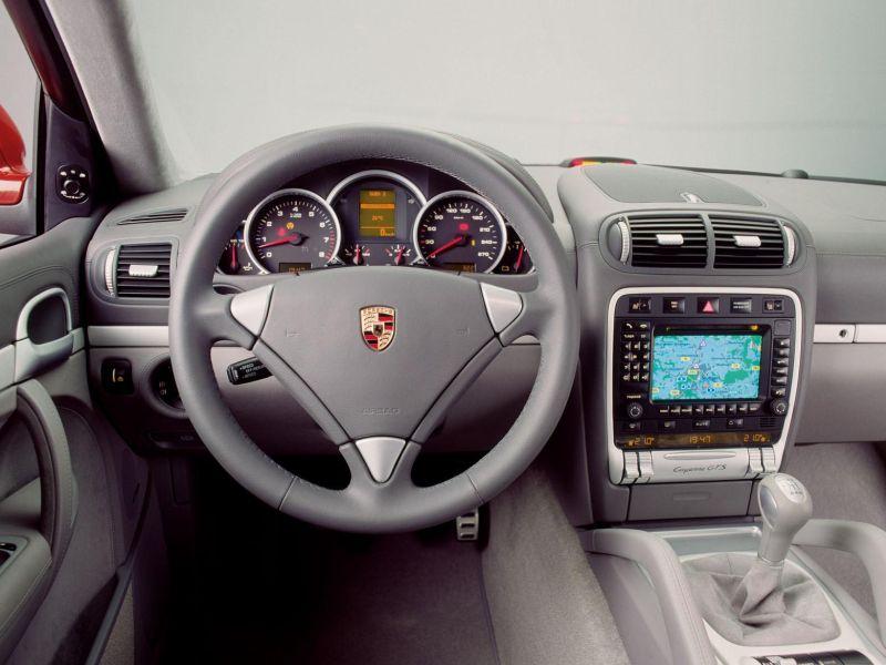 Porsche Cayenne interiér